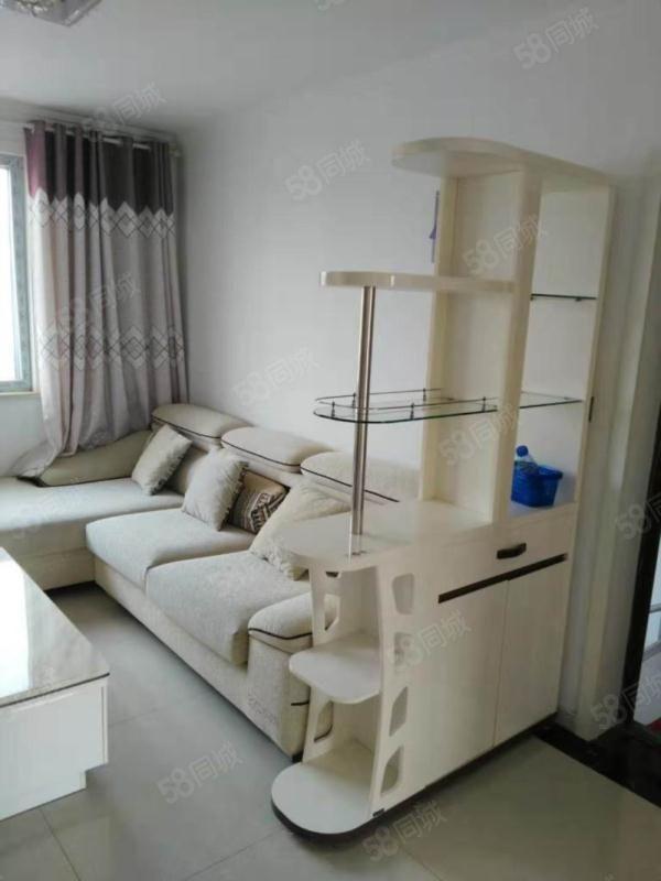 宏盛嘉园婚房装修三室两厅一卫六楼带阁楼带车库
