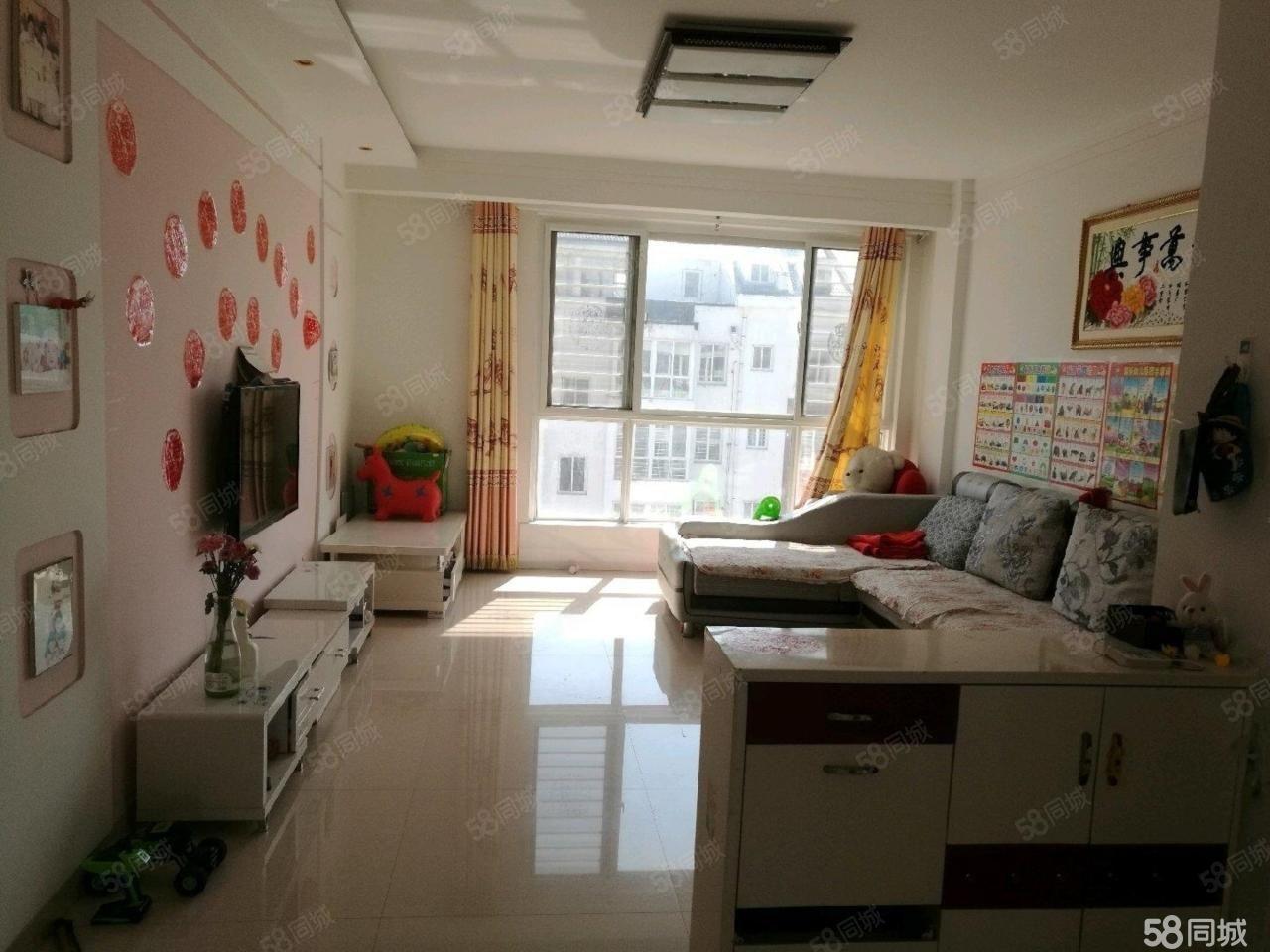 协胜伊和水岸3楼豪华装修对外出租。