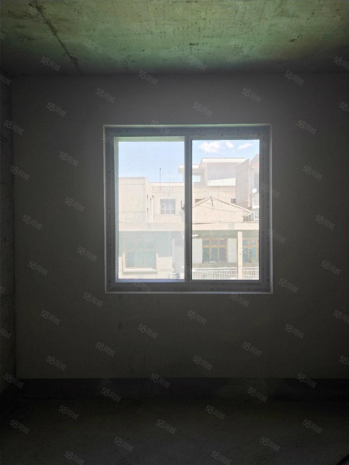 荣景世家南北通透可按揭毛坯结构方正繁华地段的2室2厅1卫