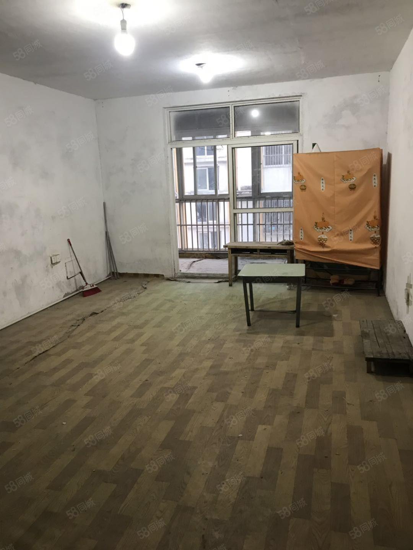 五小旁御景園小區120平方3室2廳低價59萬出售