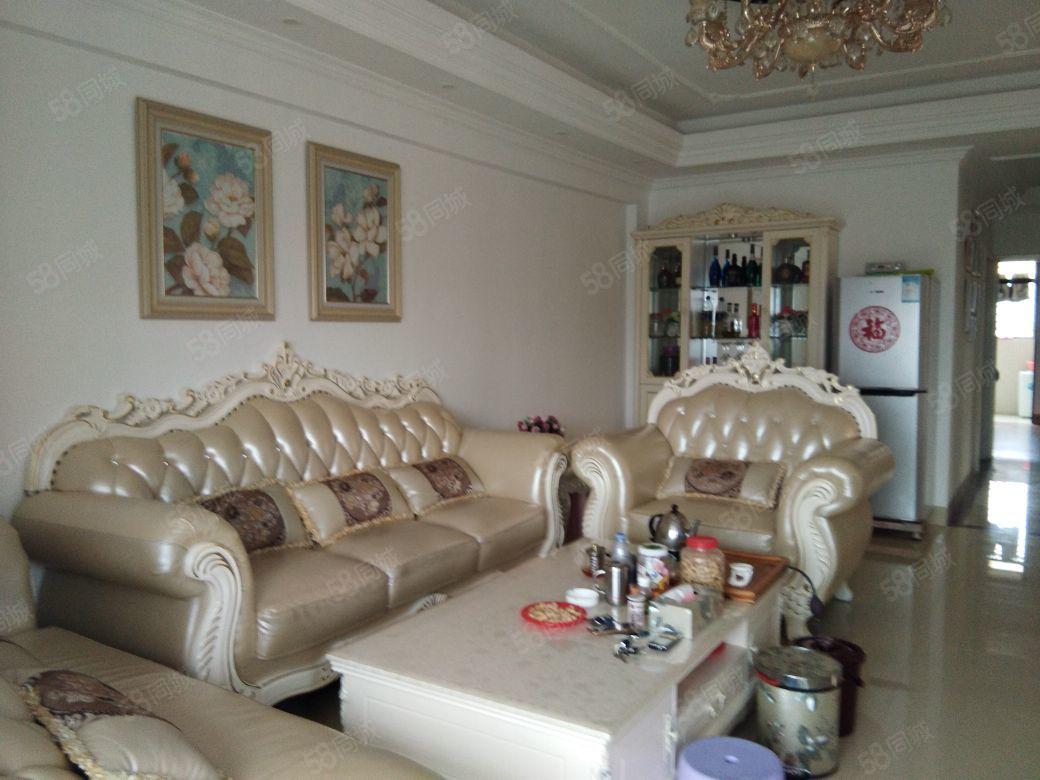 紫金佳苑精装3房,高层视野开阔。售98万