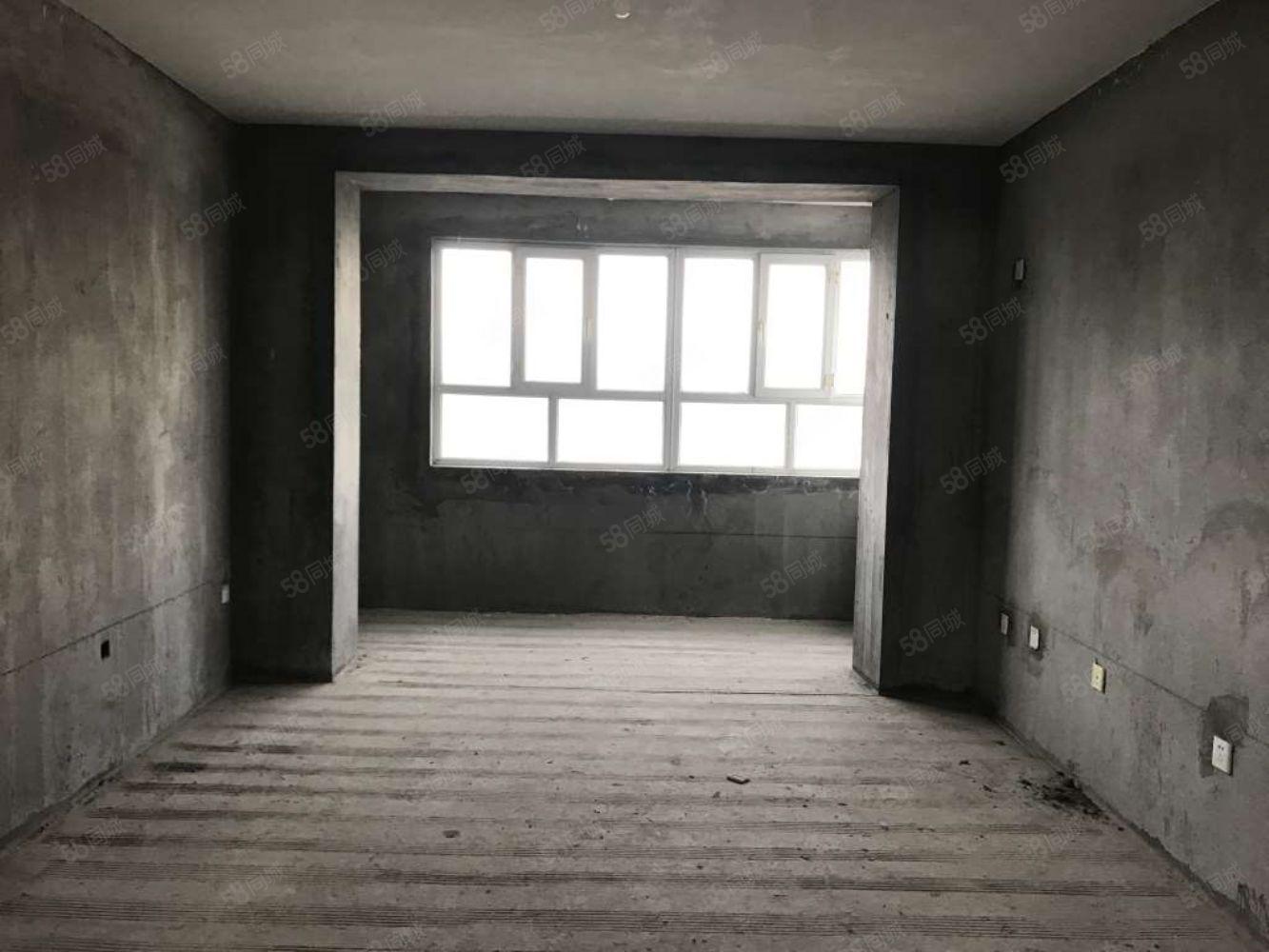 田园小镇6楼106平方3室首付1W