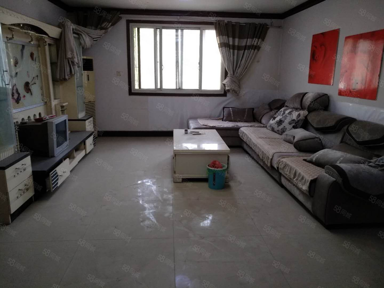 大庆路技术监督局家属院,超大面积160平方,一个月1100