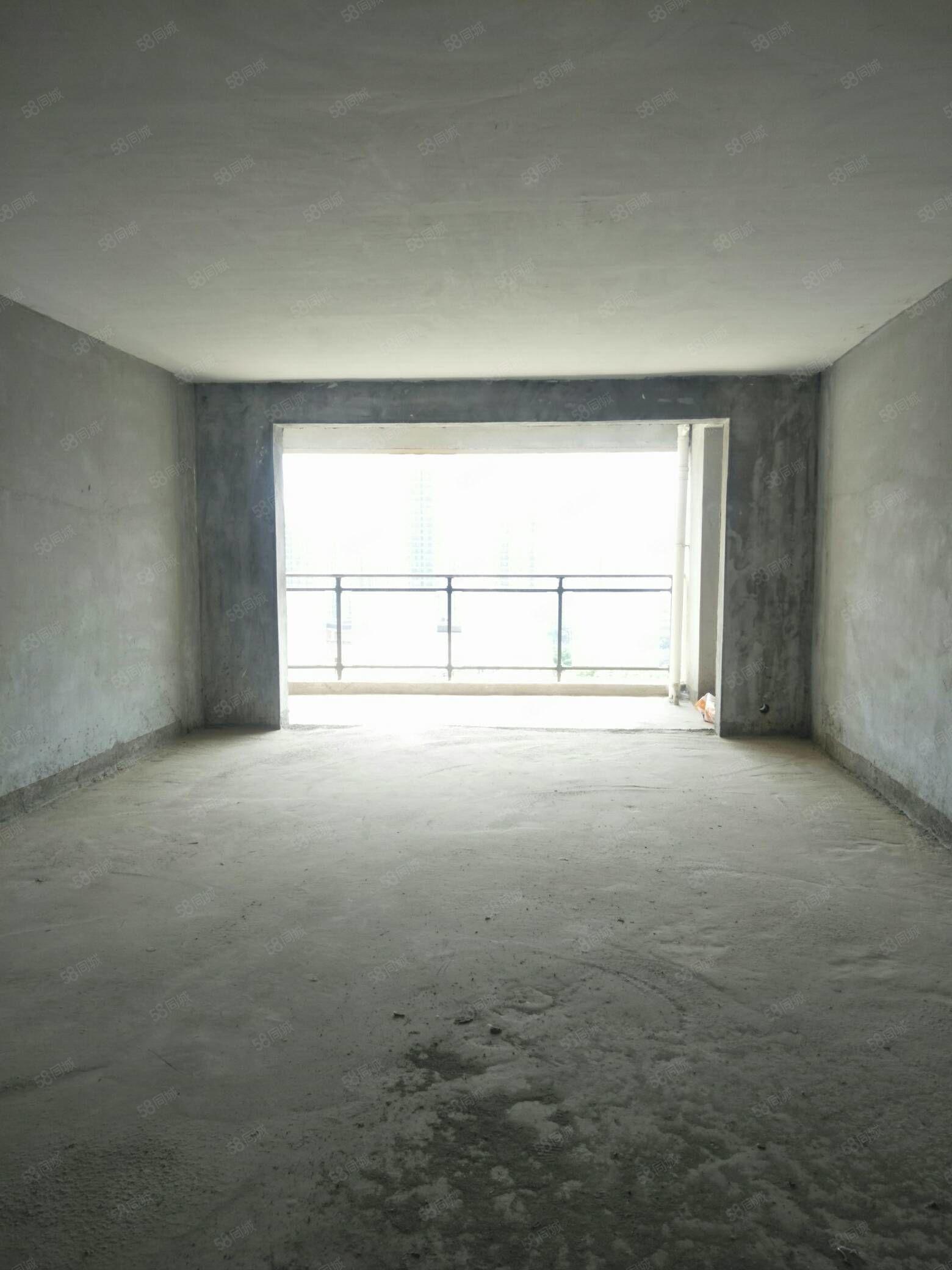 急售建設路水景灣八小學期房毛坯四居室支持貸款配套齊全采光通風