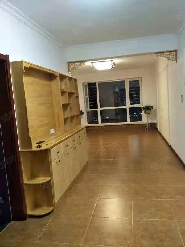 金域华苑5楼57平简单装修拎包入住19万照片不是本房
