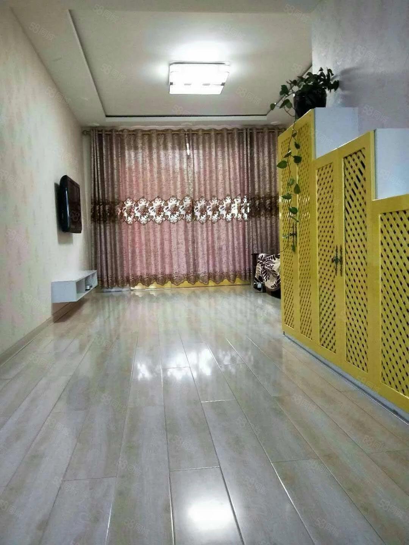 现代城电梯楼中等装修中心地段拎包入住