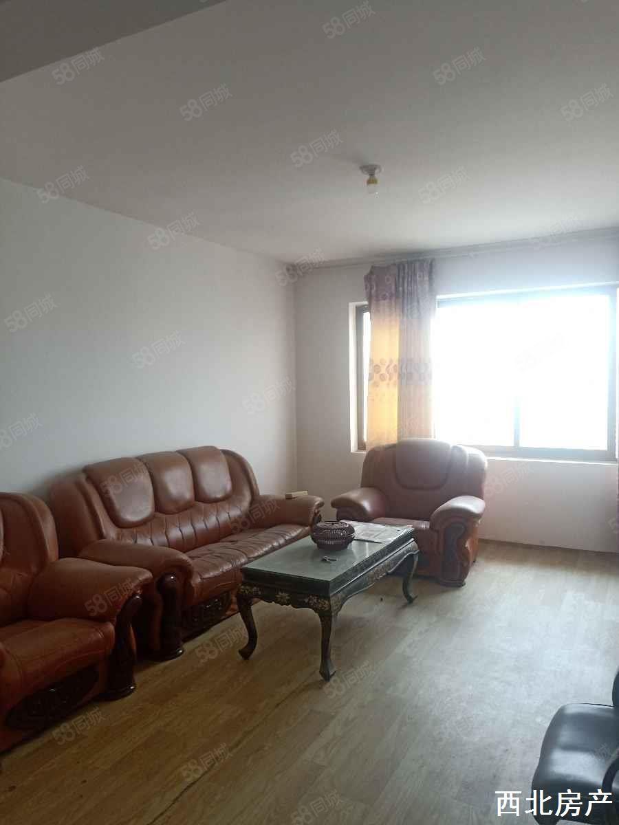 南苑小區現房出售地段繁華出行方便簡單裝修購房需全款