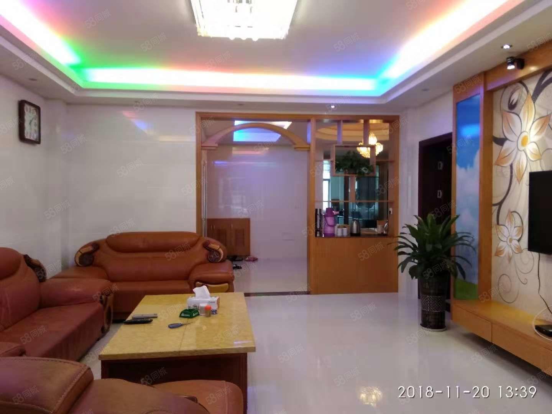 金盛小区140平4房2厅全新精装带家具座北朝南户型方正