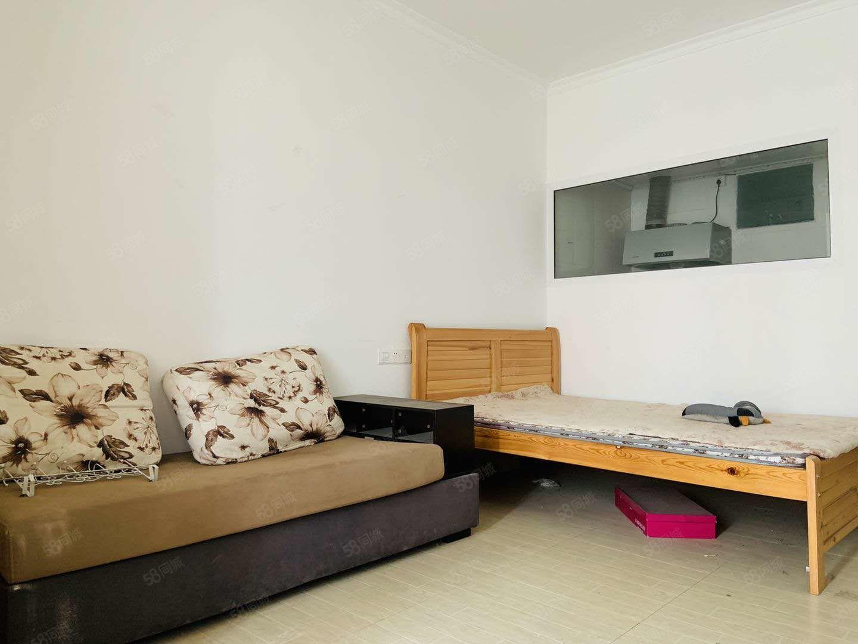 河东青年公社一室一厅领包入住位置超好看房方便可按揭
