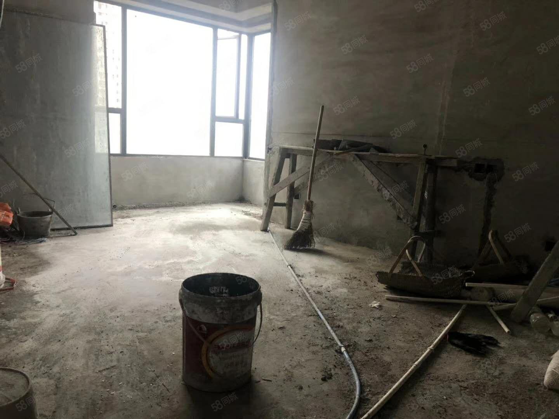 青草湾正三室边间107平米125万全明户型看房有钥匙随时方便