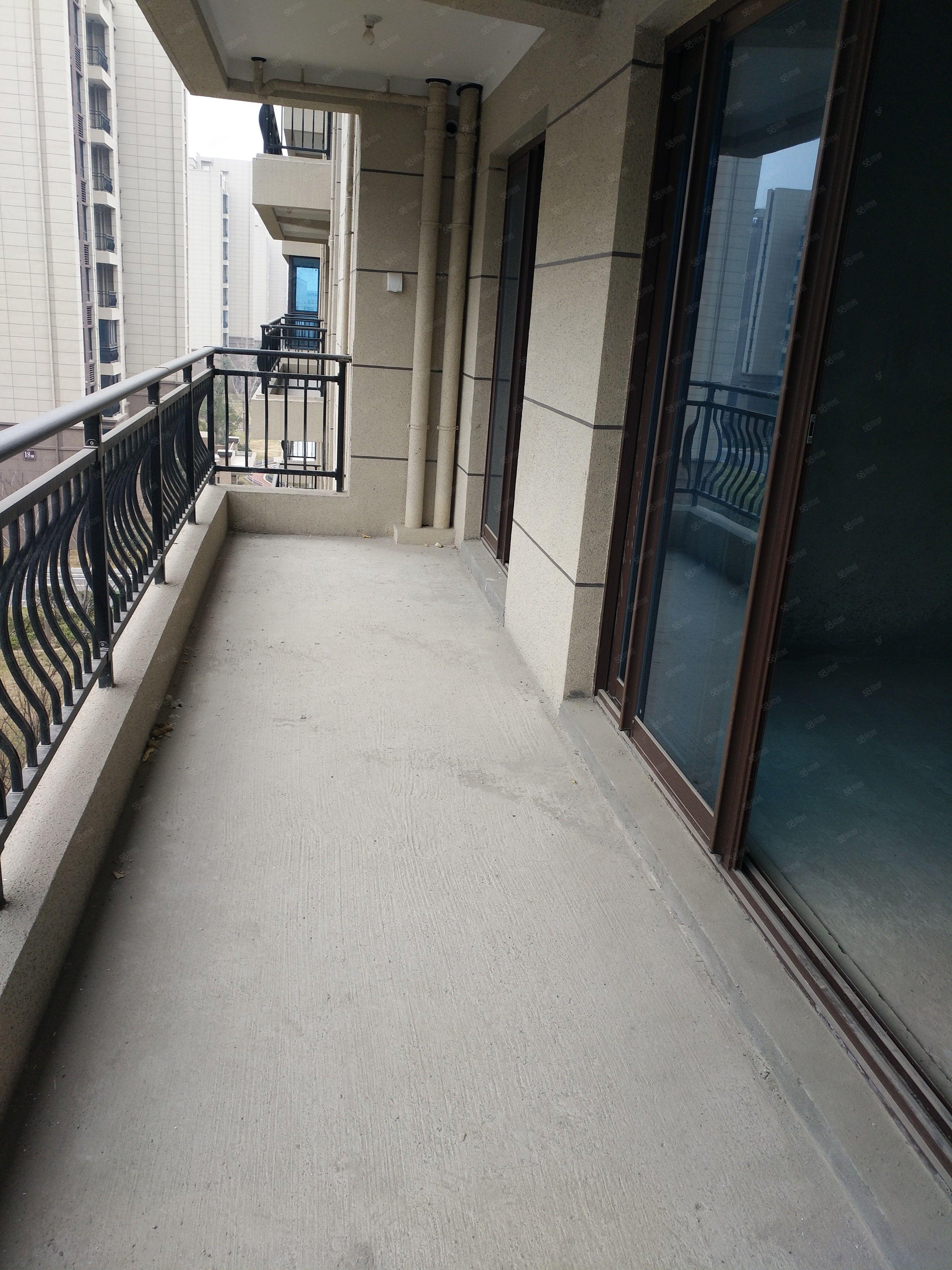 急售碧桂园龙城洋房五楼,四室两厅两卫,一中、德和公园旁