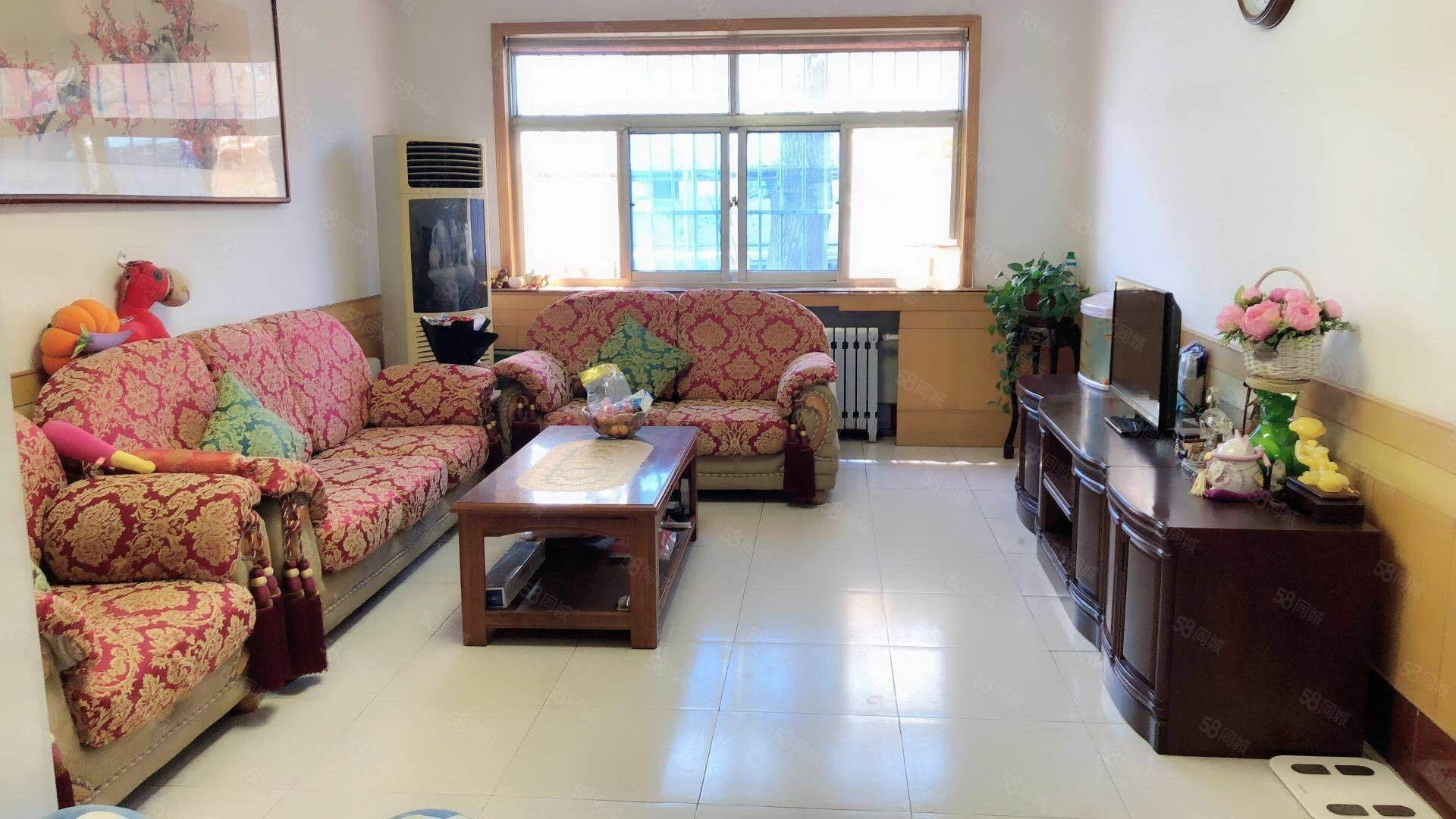 利津联通公司家属楼一楼三室两厅精装修带地下室部分家具家电