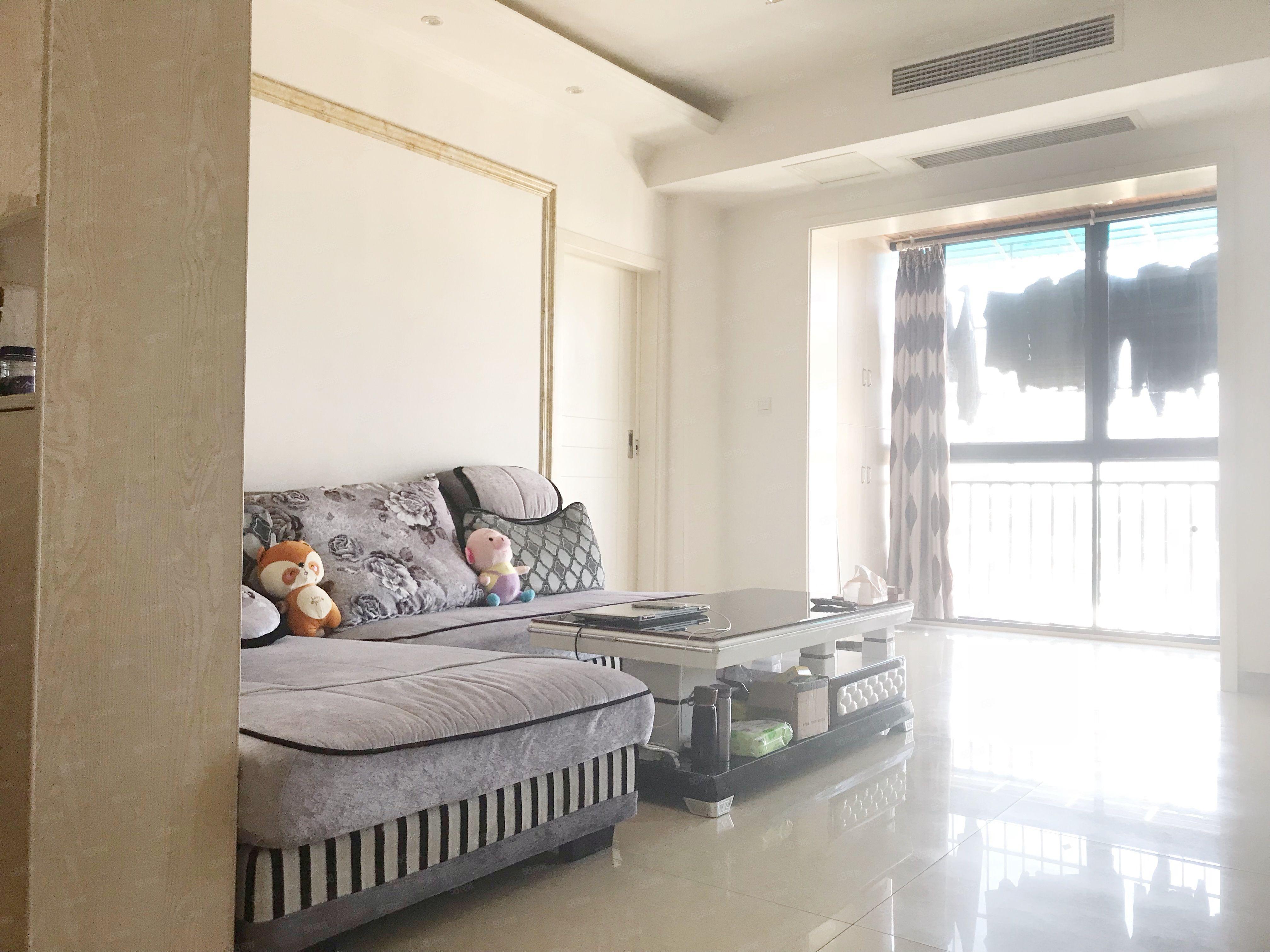 精装新房电梯套二中央空调直接可入住房东急售