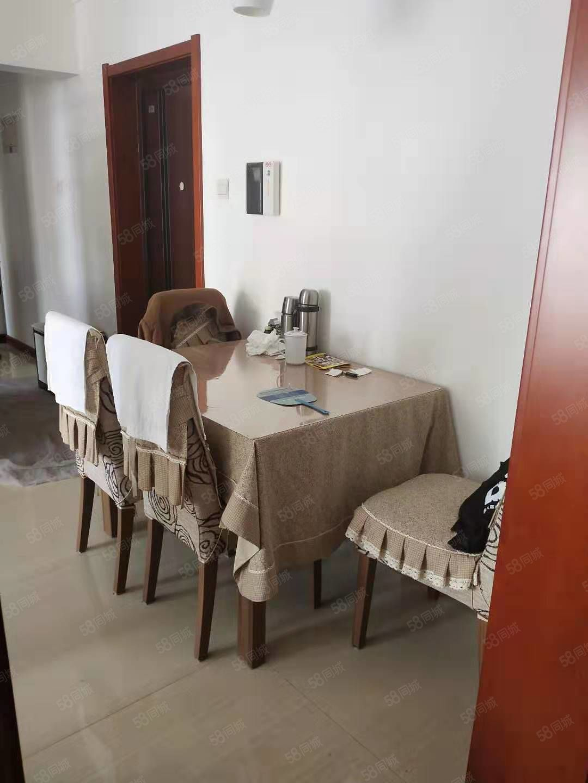 东环新村老本唯一精装修看房提前联系房主在外地