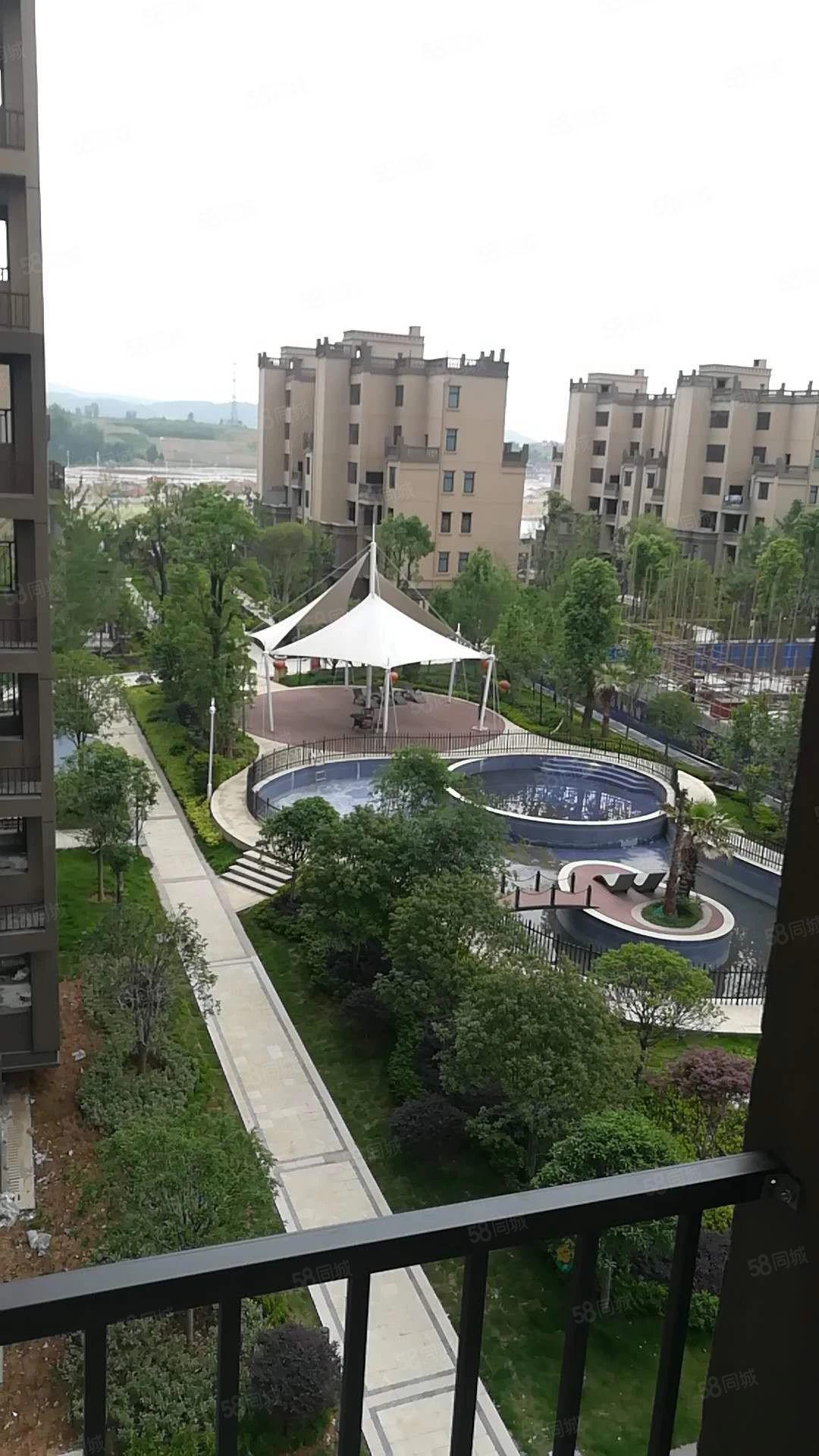 郧阳区外滩一号江景房毛坯3室2厅95平转合同