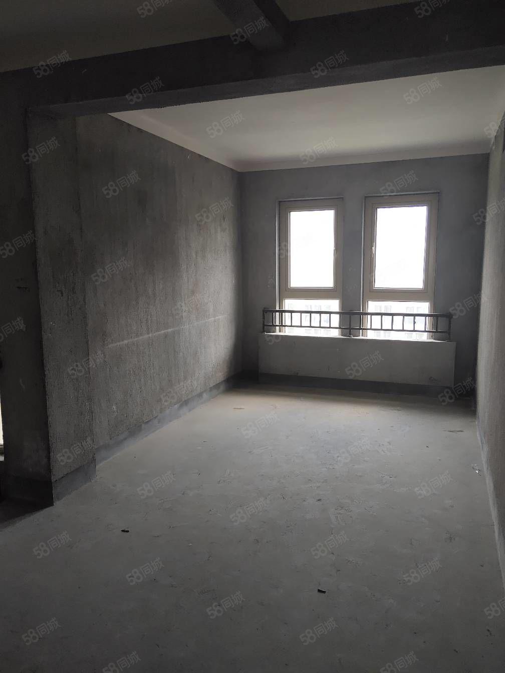 保利君悅灣30樓,毛坯,產證2年到,位置佳,三室兩廳二廳。
