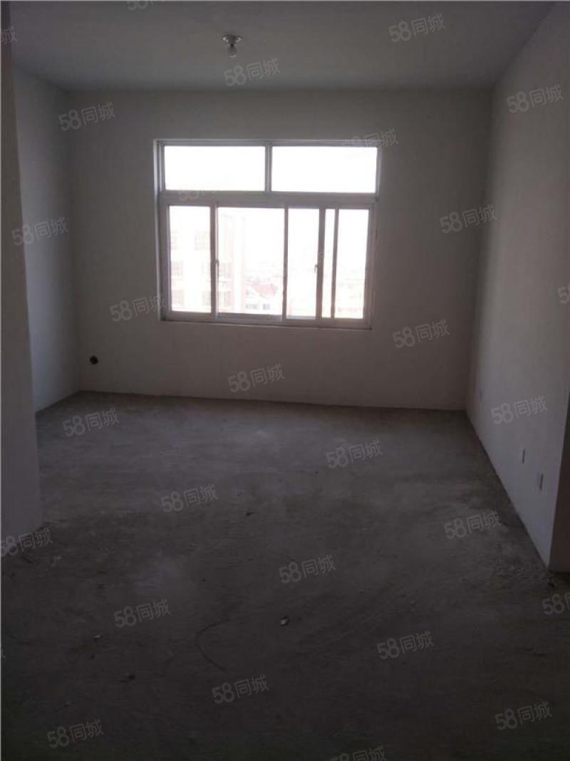 崇文名都3室2厅104平米