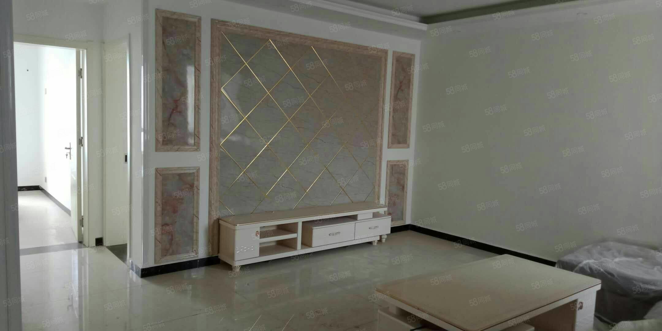 出售金湖康都�^景房23��130平,3室2�d2�l,精�b修。