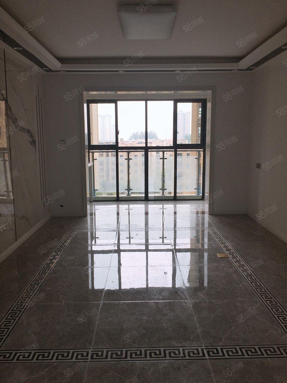 尚东国际三室两厅两卫,精装拎包入住,随时看房