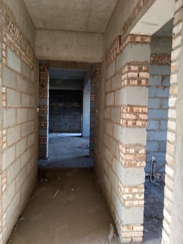 此房在九龍大街,河津高中十字路口路東
