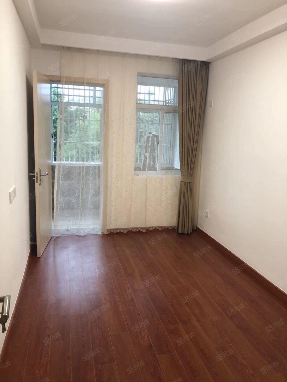 直接房源城東新村3樓58平新裝修8萬元未住過人上林中學