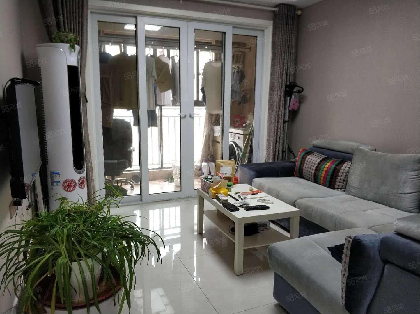尚上城!精装两室两厅80平,品牌家具全留,清爽温馨64.8万
