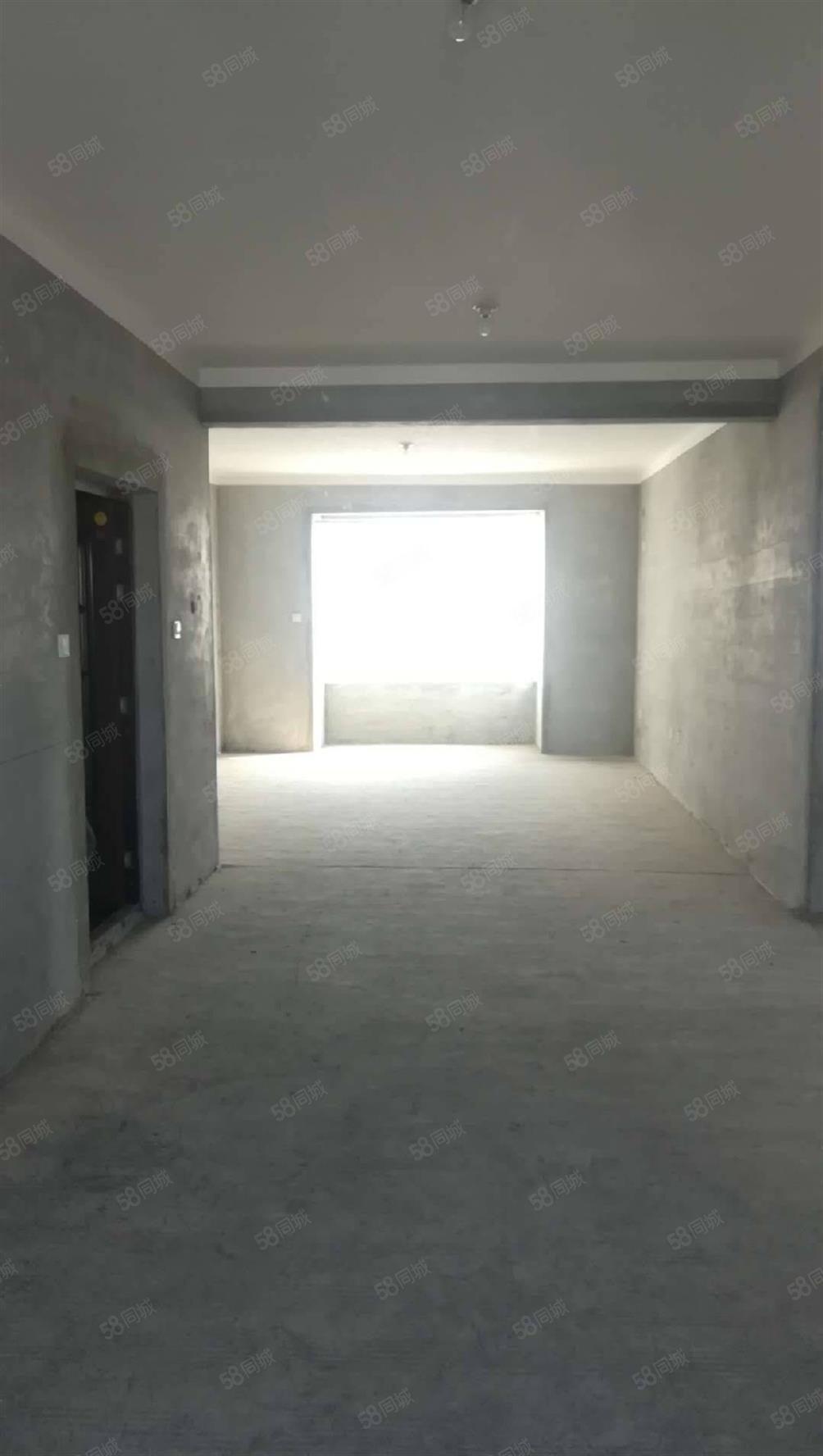 江南小鎮現房5900一平米,才挖地基的期房8000,你怎么選