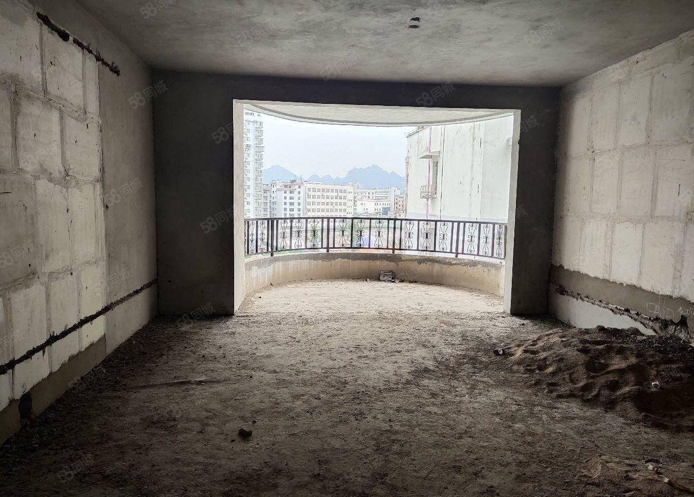 喻家坪电梯房三室两厅两卫靠江边随时看房首付才10万左右