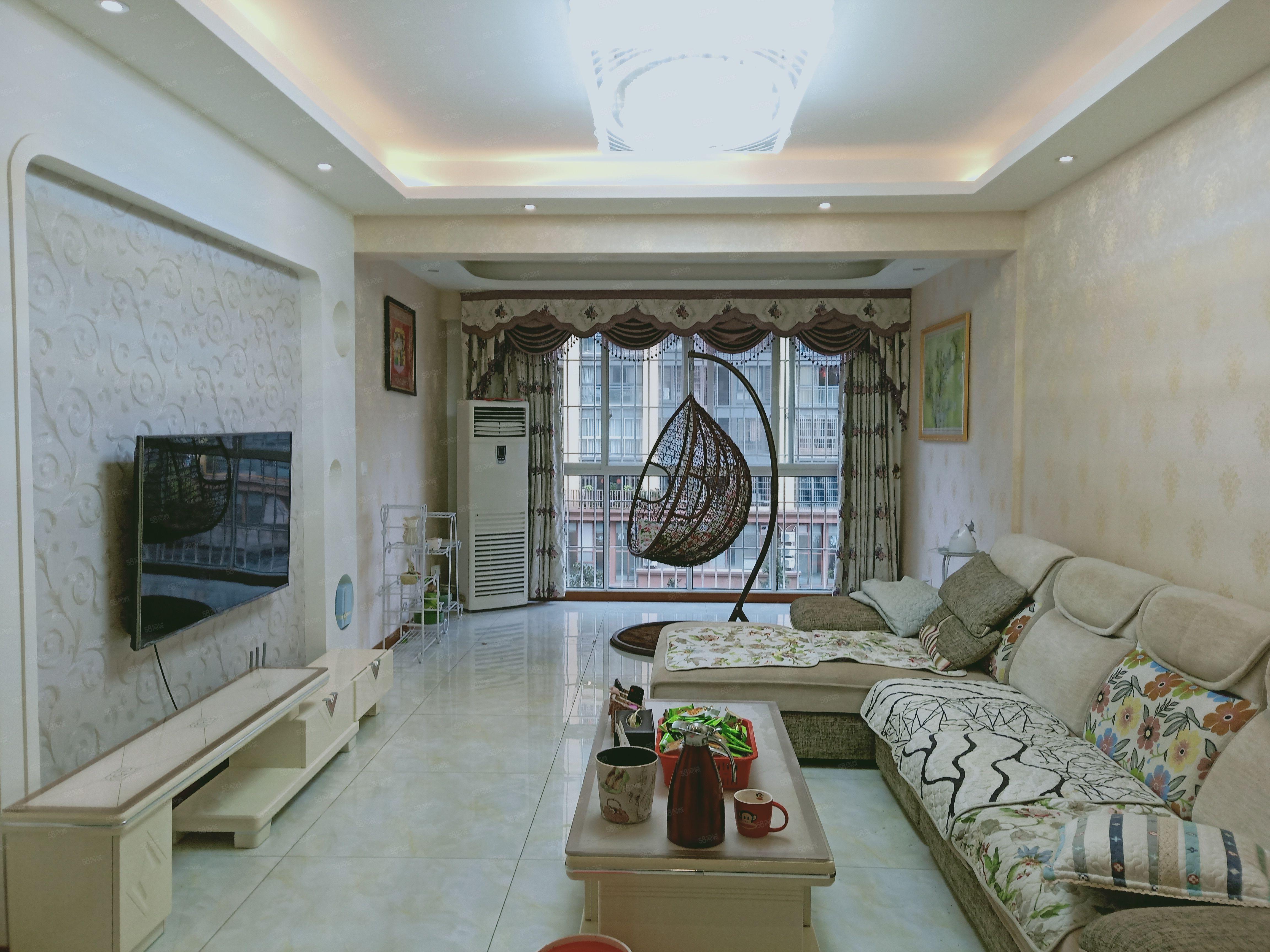 繁华地段,品质楼盘,精致小户型,送家具家电,产权在手支持按揭