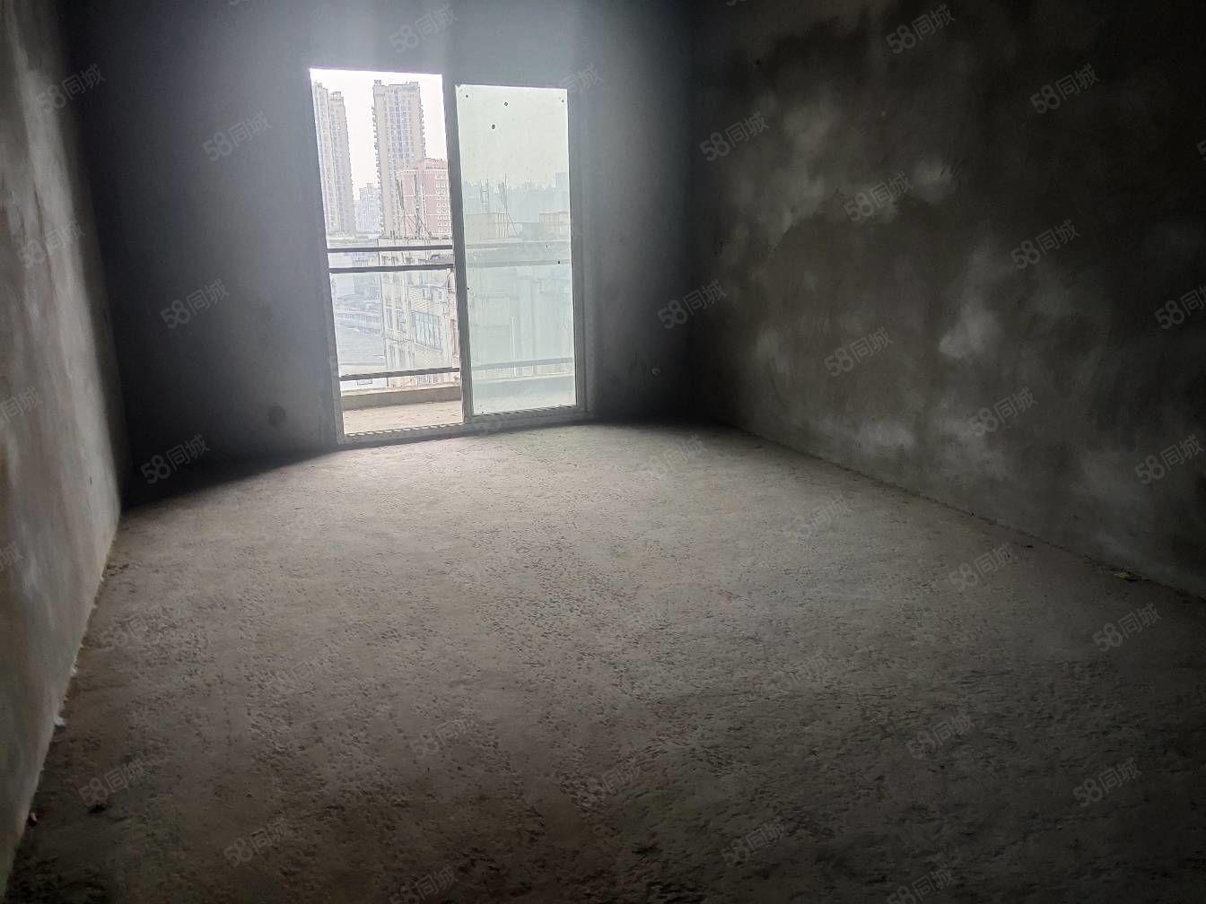 水井溝東門口電梯清水三房,唯一一套,首付低,戶型端正!城市之