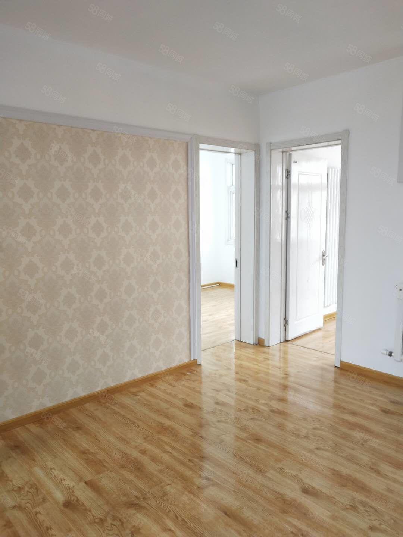 金城西区3楼精装修三室朝阳拎包即住可贷款钥匙在手!