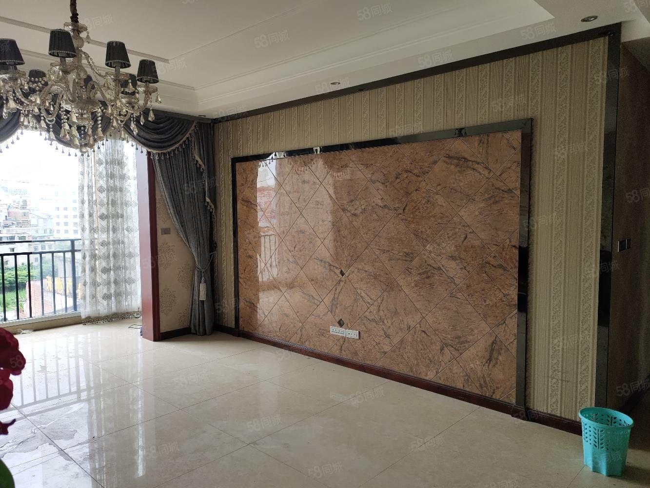 福临国际套房出售,三室两厅两卫,装修请看图,采光好,交通方便