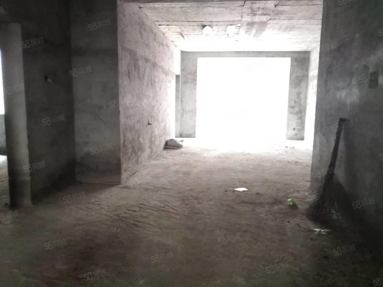 哥哥的房子,首付几万块,70年产权自建房,无需物业费,