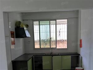 一中实验小学旁边自建房中层三房一厅出售