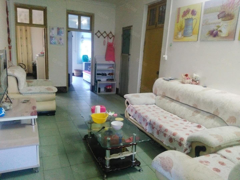 葡京网站平台金太极附近,水电齐全,空调,冰箱,另带煤球房,拎包住。