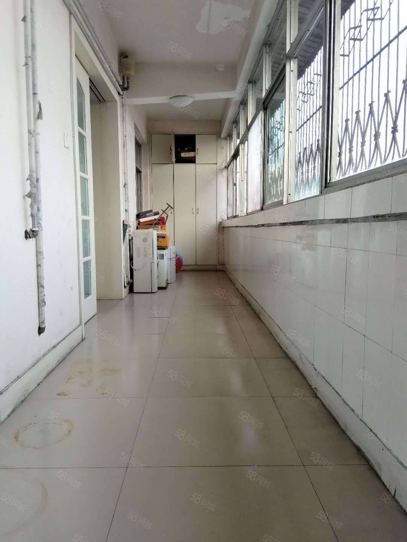 鹰城广场附近长青路长青佳苑大三室通阳台有证可贷款随时看房