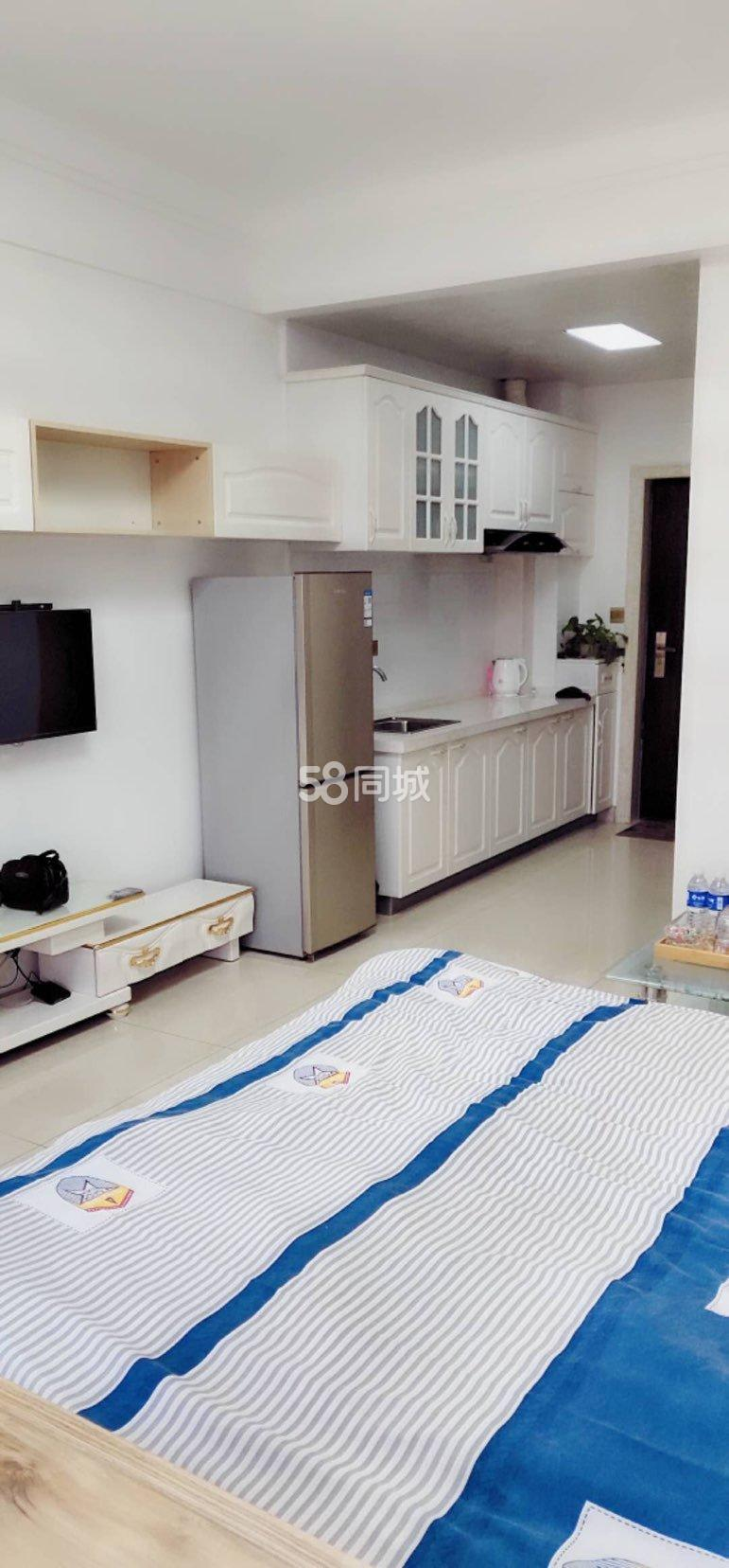 四季华城温馨爱情公寓可以月付