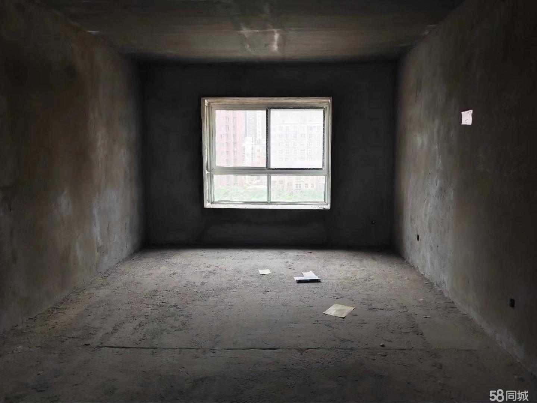东区大产权可贷款大三室电梯房