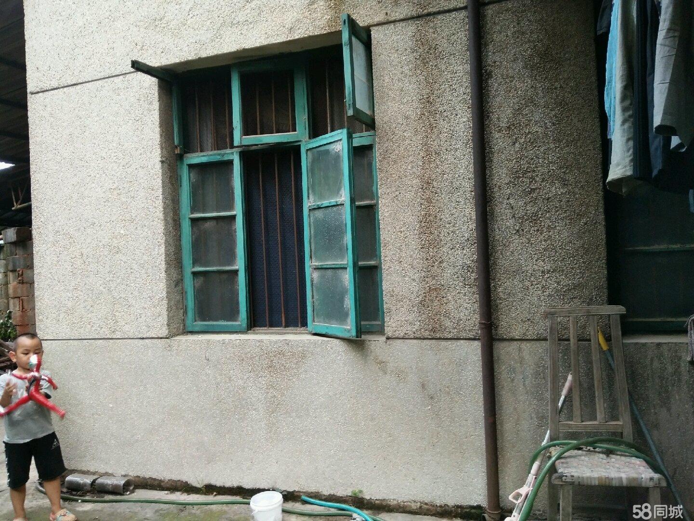 房屋出售,一楼,居住安全、安静!
