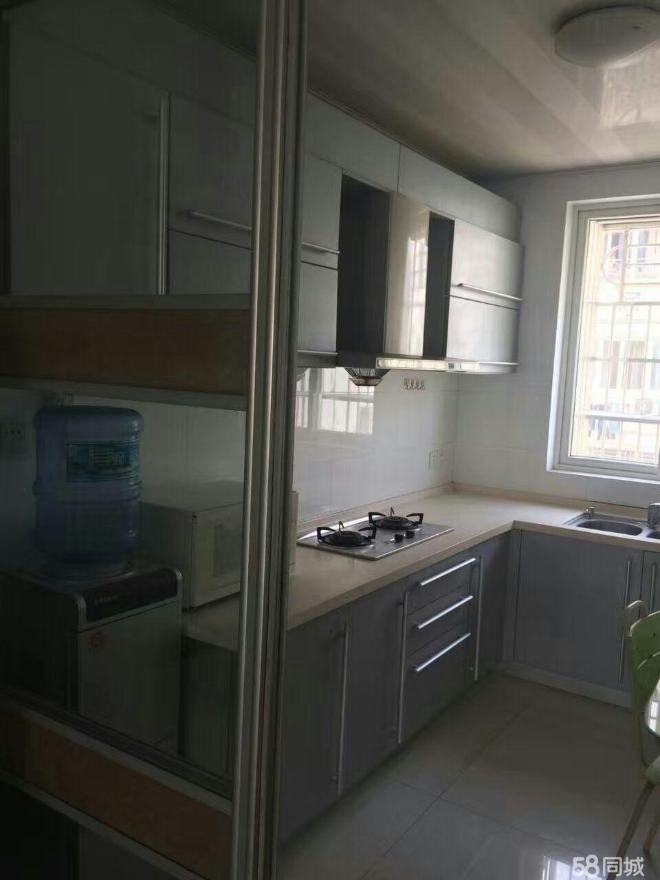 启东市区南润花园3室2厅140平米精装修半年付