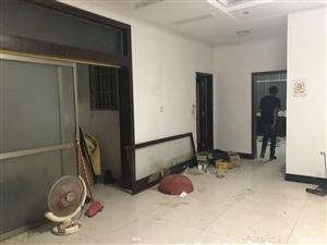 新宁�~之韵广场3室2厅2卫141.8平米