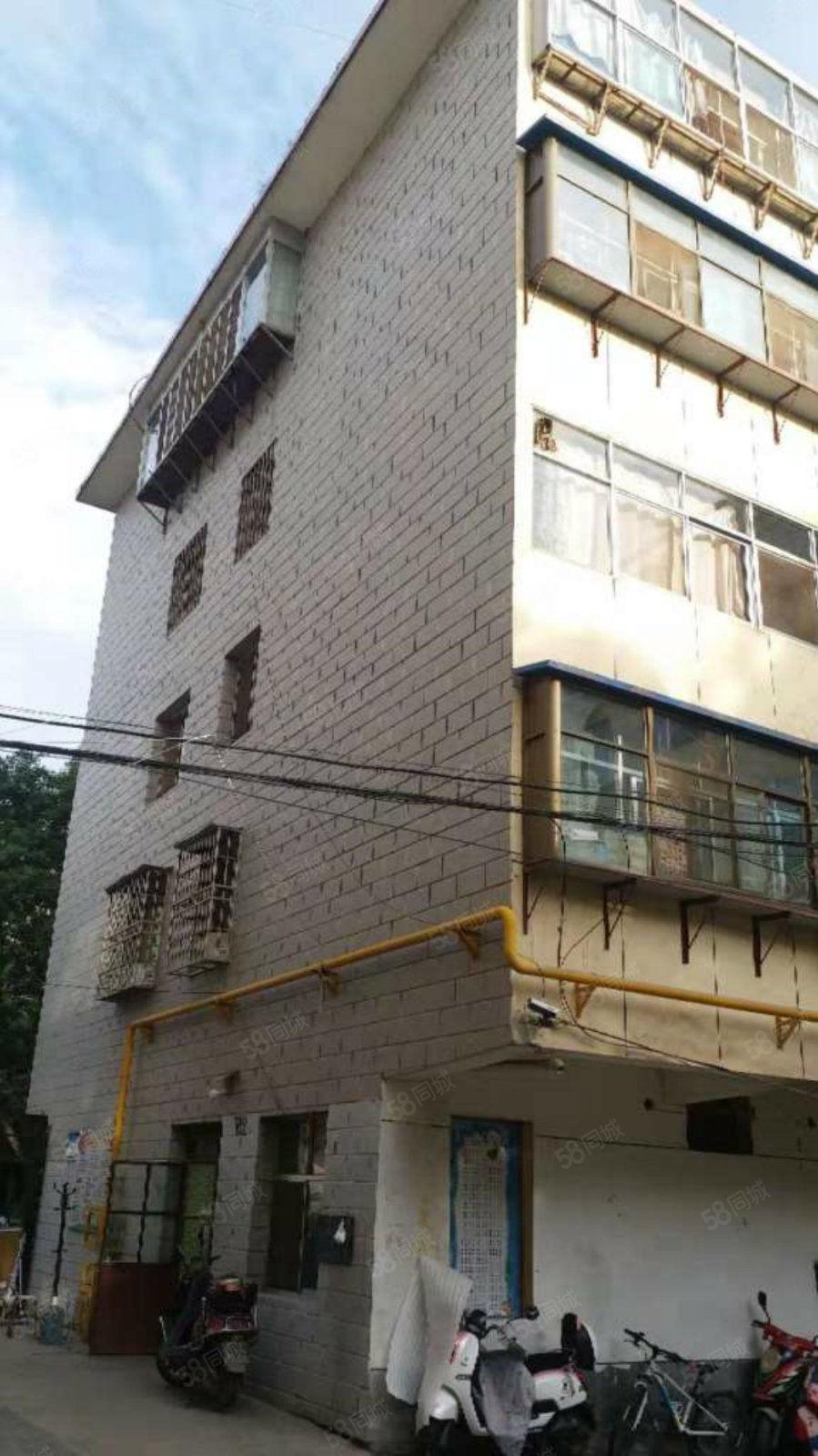 十中附近3樓出租三室兩廳一衛上學生活都很方便