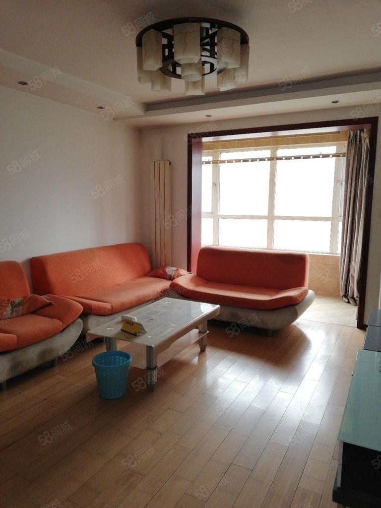 市中心,中宏香榭,精装四室大平层,诚心出售,看房方便