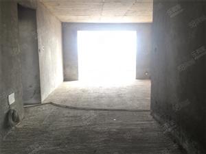老大田车站对面雅阁豪苑134平3室2厅