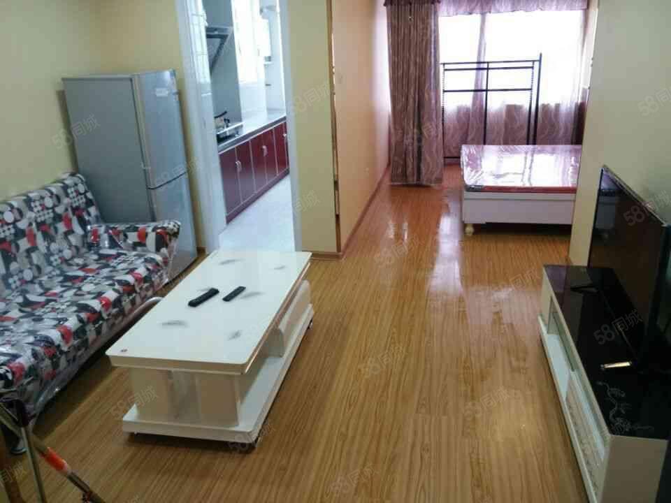 MOCO新世界50平一房一厅精致装修家电齐全拎包入住