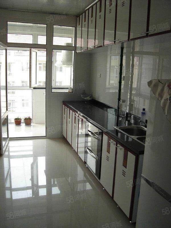 德通秀苑电梯楼,面积足,宽敞明亮,价格可议