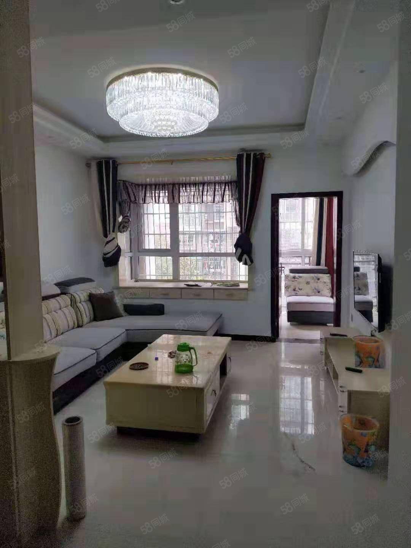 物流港良苑小区精装3室东西齐年租16500