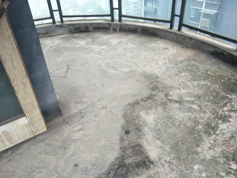 稀缺!稀缺!城北中医院旁,锦华十年城,主卧室带圆弧形大阳台