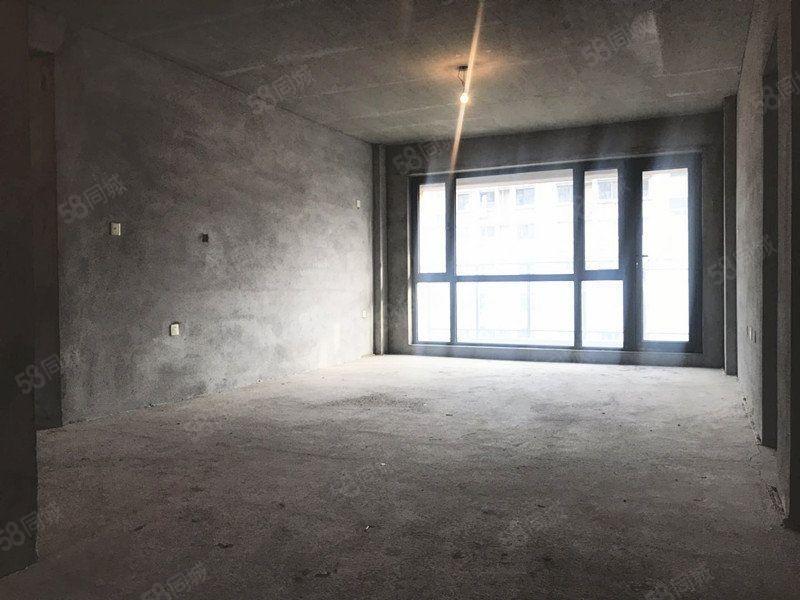金域华苑88万带18露台3室2厅2卫