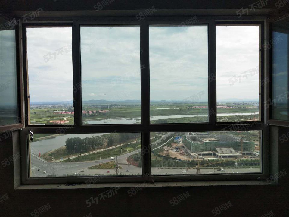 御龙苑电梯高层非顶楼三室一厅一梯一户南北通透